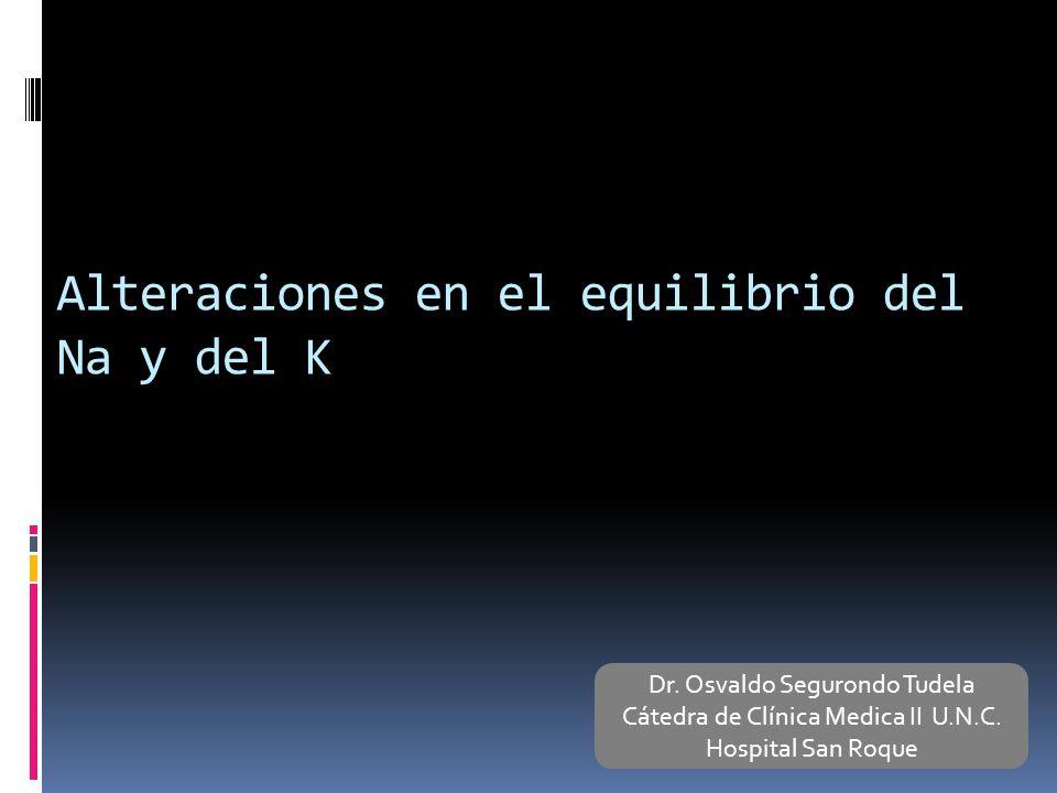 Hiperpotasemia: Cuadro clínico Sistema neuromuscular: Parestesias, debilidad muscular a parálisis flácida y paro respiratorio NIVEL DE K+ EN SUERO ALTERACIONES ECG K+ de 6.5 mEq/LOnda T picuda K+ 6.5 – 8 mEq/lPR prolongado, pierde P, QRS ensanchados K+ > de 8QRS converge con onda T, arritmias ventriculares Pronóstico grave Paro cardiaco en diástole