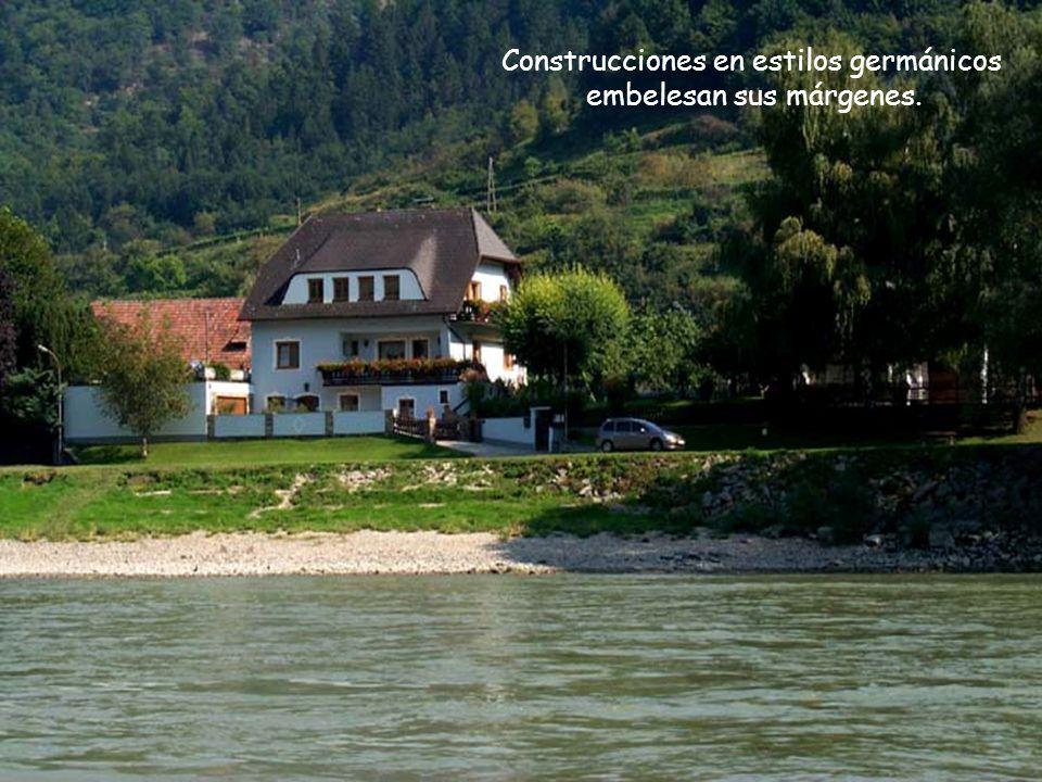 Bastante navegable, con profundidad que llega hasta los 12 metros, el Danubio es uno de los ríos más importantes de Europa.