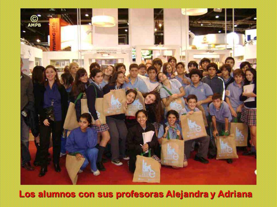 Los alumnos con sus profesoras Alejandra y Adriana