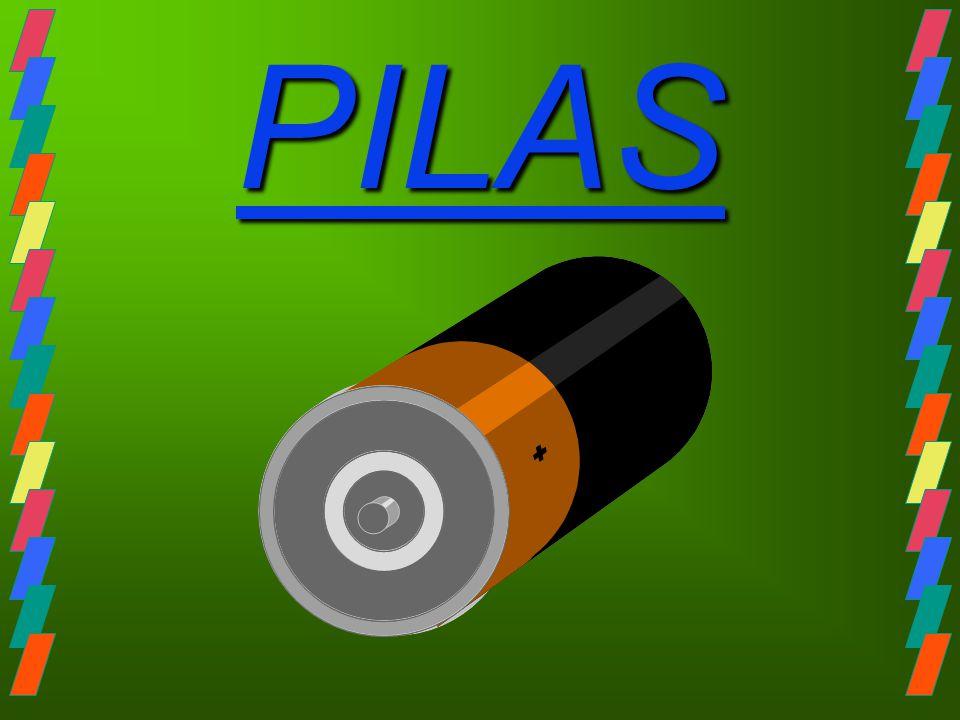 Acumulador de plomo La principal diferencia constructiva entre ambos es que en el acumulador, los electrodos son inicialmente del mismo material (Pb), por lo que naturalmente no puede aparecer una ddp entre ambas