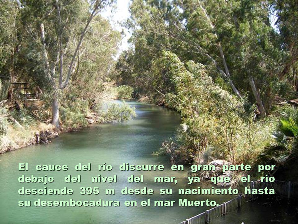 El cauce del río discurre en gran parte por debajo del nivel del mar, ya que el río desciende 395 m desde su nacimiento hasta su desembocadura en el m