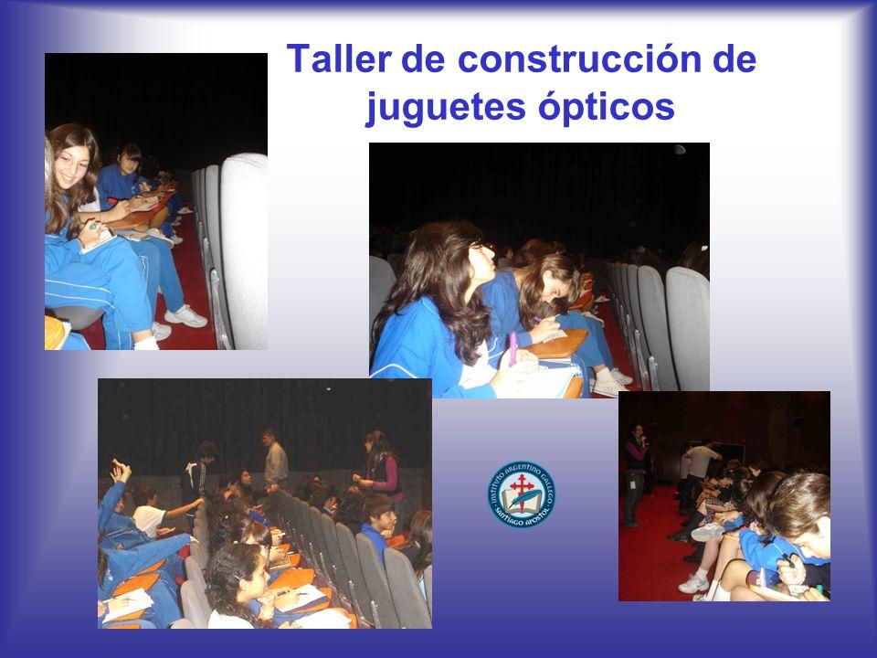 Taller de construcción de juguetes ópticos