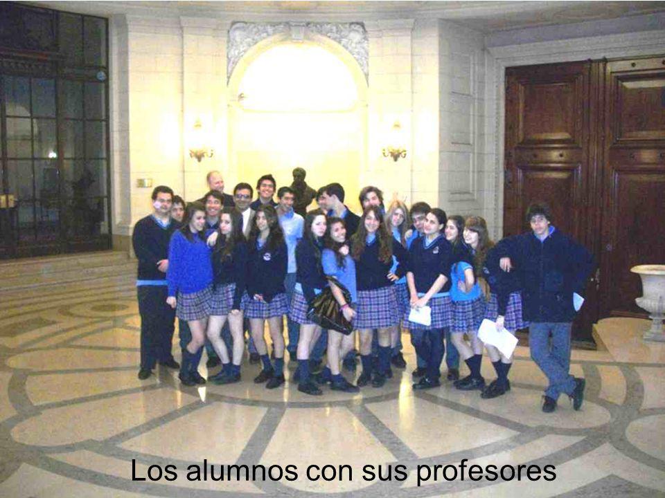 Los alumnos con sus profesores