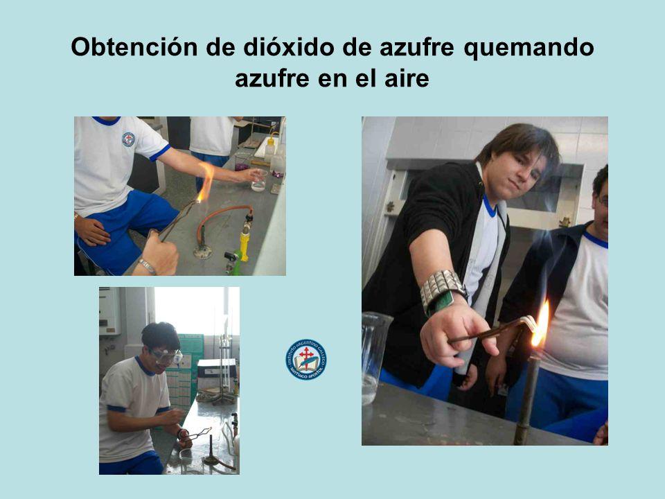 Obtención de dióxido de azufre quemando azufre en el aire