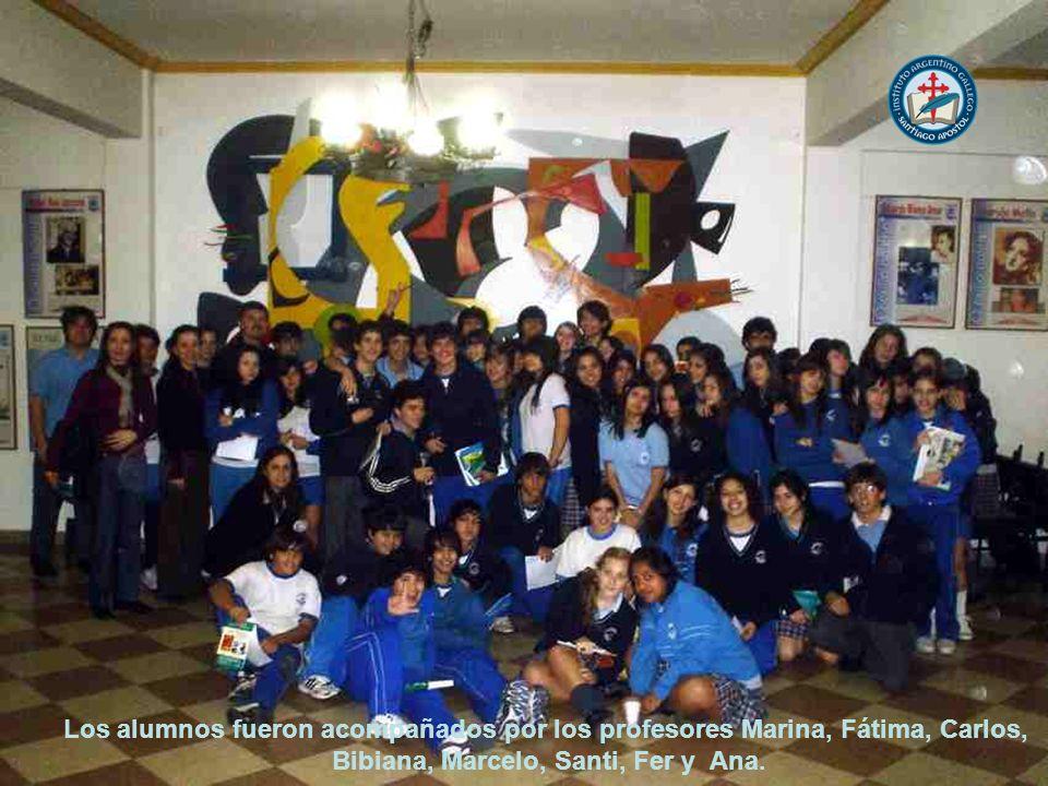 Los alumnos fueron acompañados por los profesores Marina, Fátima, Carlos, Bibiana, Marcelo, Santi, Fer y Ana.