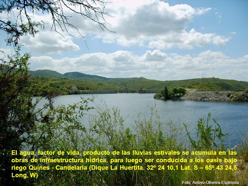 El agua, factor de vida, producto de las lluvias estivales se acumula en las obras de infraestructura hídrica, para luego ser conducida a los oasis bajo riego Quines - Candelaria (Dique La Huertita.