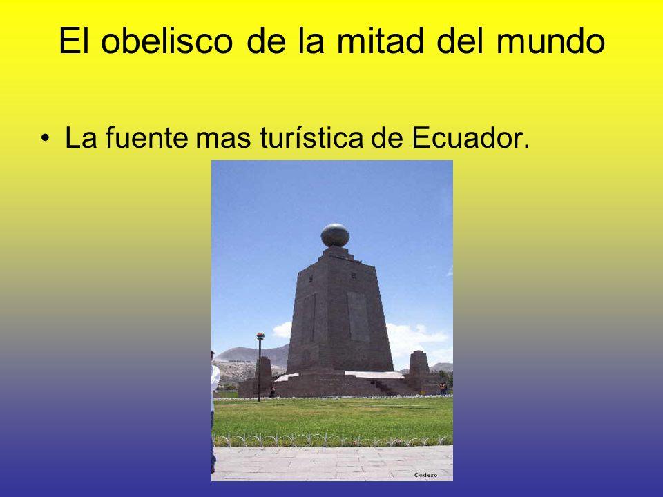 El obelisco de la mitad del mundo La fuente mas turística de Ecuador.