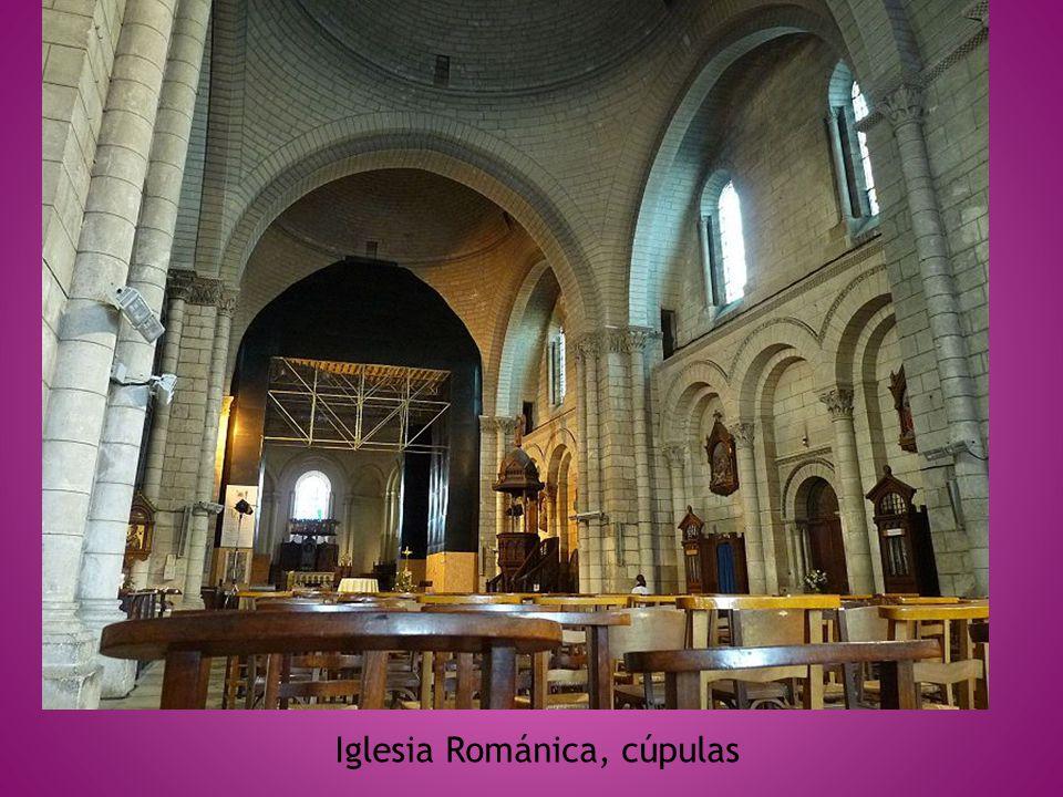 Iglesia Románica, cúpulas