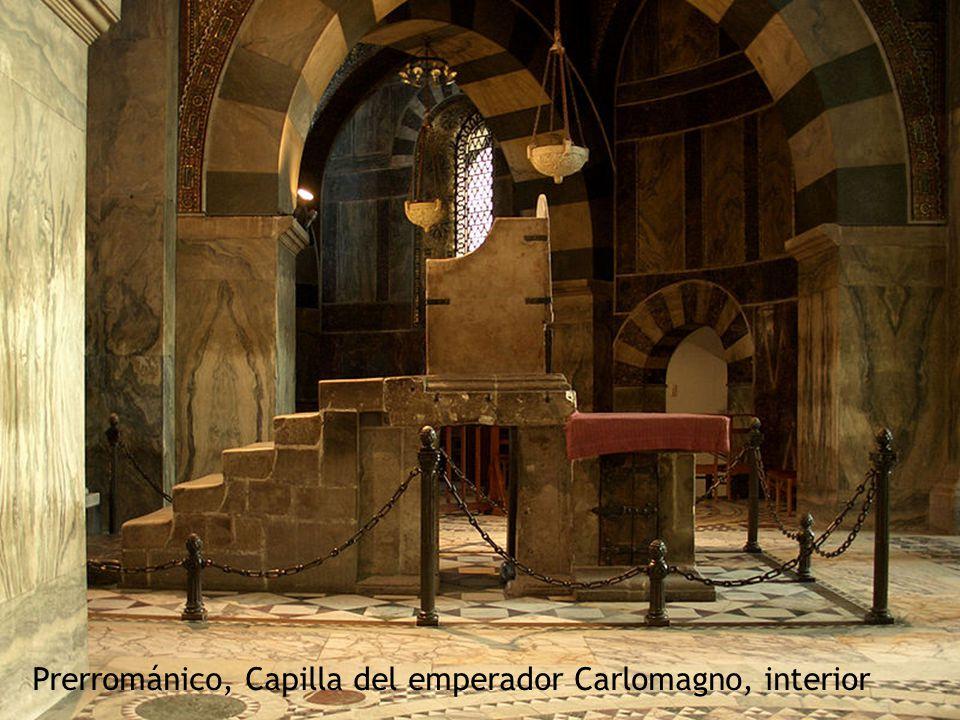 Prerrománico, Capilla del emperador Carlomagno, interior