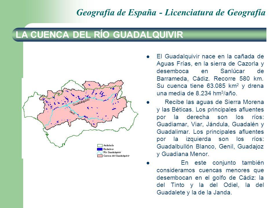 Geografía de España - Licenciatura de Geografía LA CUENCA DEL RÍO GUADALQUIVIR El Guadalquivir nace en la cañada de Aguas Frías, en la sierra de Cazorla y desemboca en Sanlúcar de Barrameda, Cádiz.