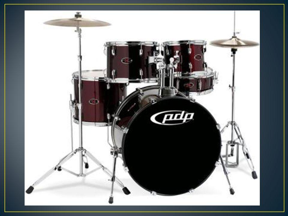 En las marching bands, cada tambor era tocado por un músico diferente. Cuando empezaron a cobrar, resultaba demasiado caro. Un solo músico se encargab