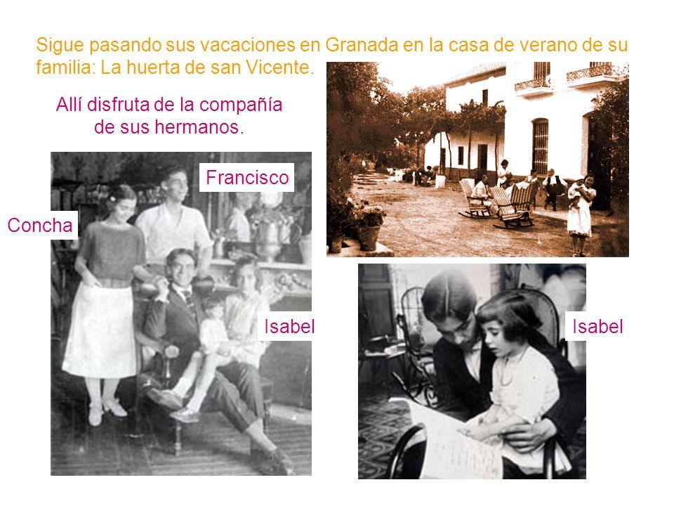 Allí disfruta de la compañía de sus hermanos. Isabel Francisco Concha Sigue pasando sus vacaciones en Granada en la casa de verano de su familia: La h