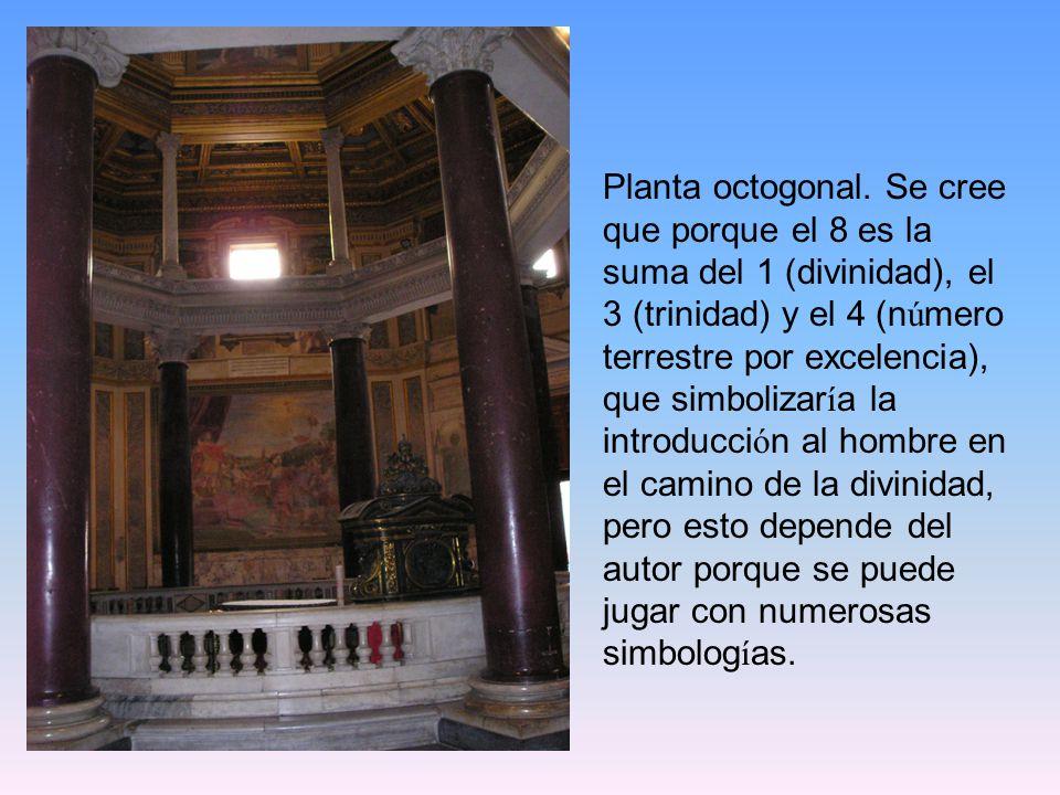 Planta octogonal. Se cree que porque el 8 es la suma del 1 (divinidad), el 3 (trinidad) y el 4 (n ú mero terrestre por excelencia), que simbolizar í a