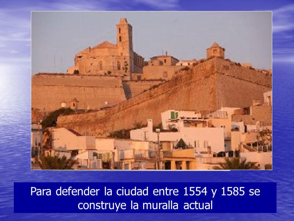 Para defender la ciudad entre 1554 y 1585 se construye la muralla actual