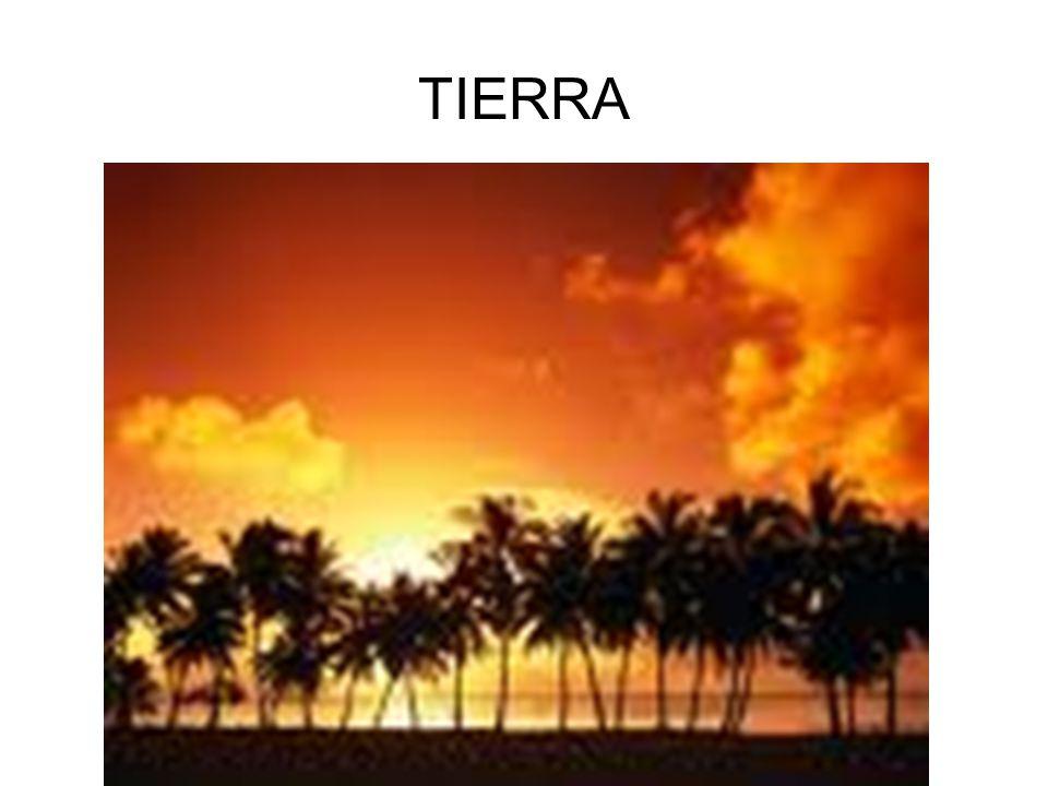 BIOGRAFIA Nació en Orihuela,el 30-10-10 Su padre era un mandón y su madre era muy cariñosa. Tenía un hermano y dos hermanas. Le gustaba leer y hacer p