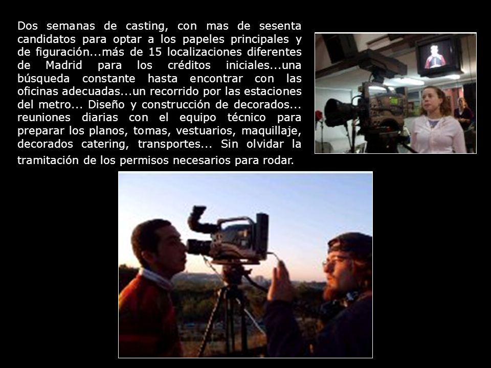La operadora de cámara, primer ayudante de dirección y el director, rodando exteriores en la M-30, a las afueras de Madrid.