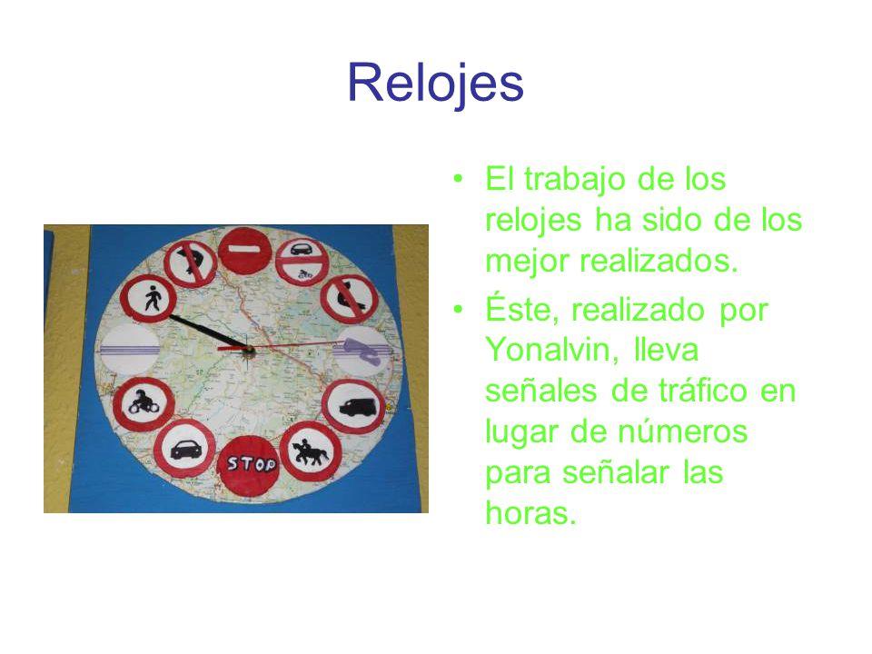 Relojes El trabajo de los relojes ha sido de los mejor realizados. Éste, realizado por Yonalvin, lleva señales de tráfico en lugar de números para señ