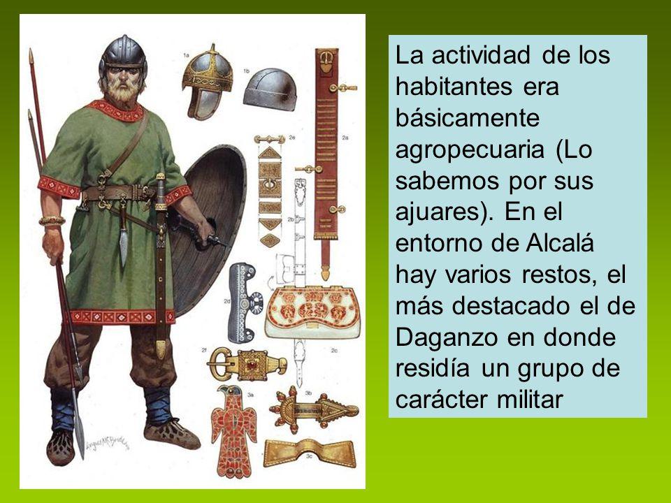 La actividad de los habitantes era básicamente agropecuaria (Lo sabemos por sus ajuares). En el entorno de Alcalá hay varios restos, el más destacado