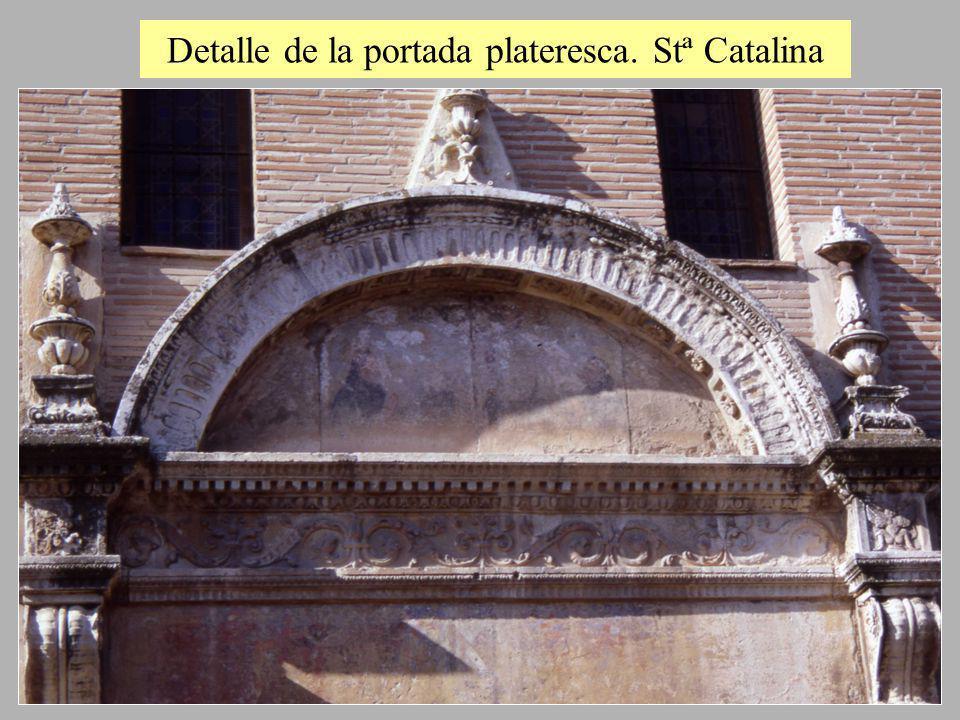 Detalle de la portada plateresca. Stª Catalina
