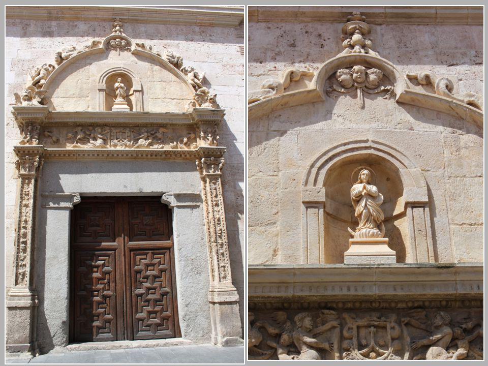 Detalles de la portada del Convento de la Imagen