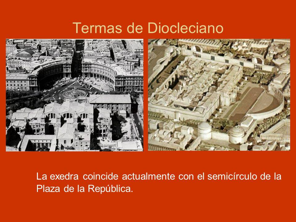 Termas de Diocleciano La exedra coincide actualmente con el semicírculo de la Plaza de la República.