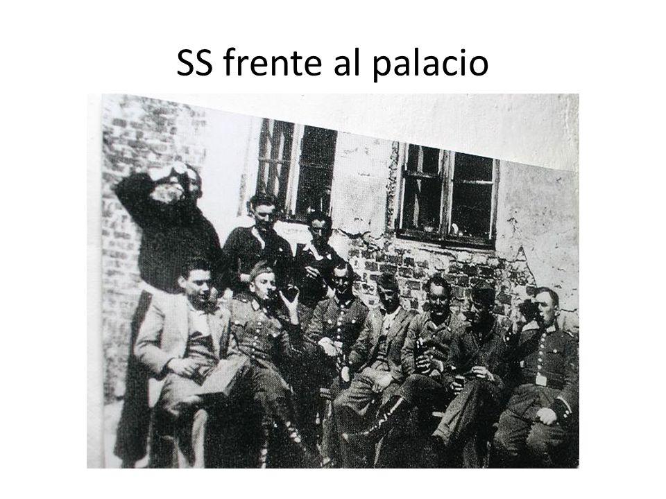 SS frente al palacio