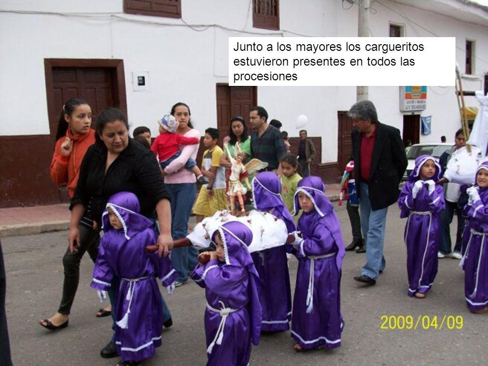 Junto a los mayores los cargueritos estuvieron presentes en todos las procesiones