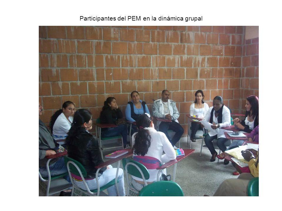 Participantes del PEM en la dinámica grupal