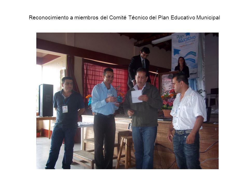 Reconocimiento a miembros del Comité Técnico del Plan Educativo Municipal