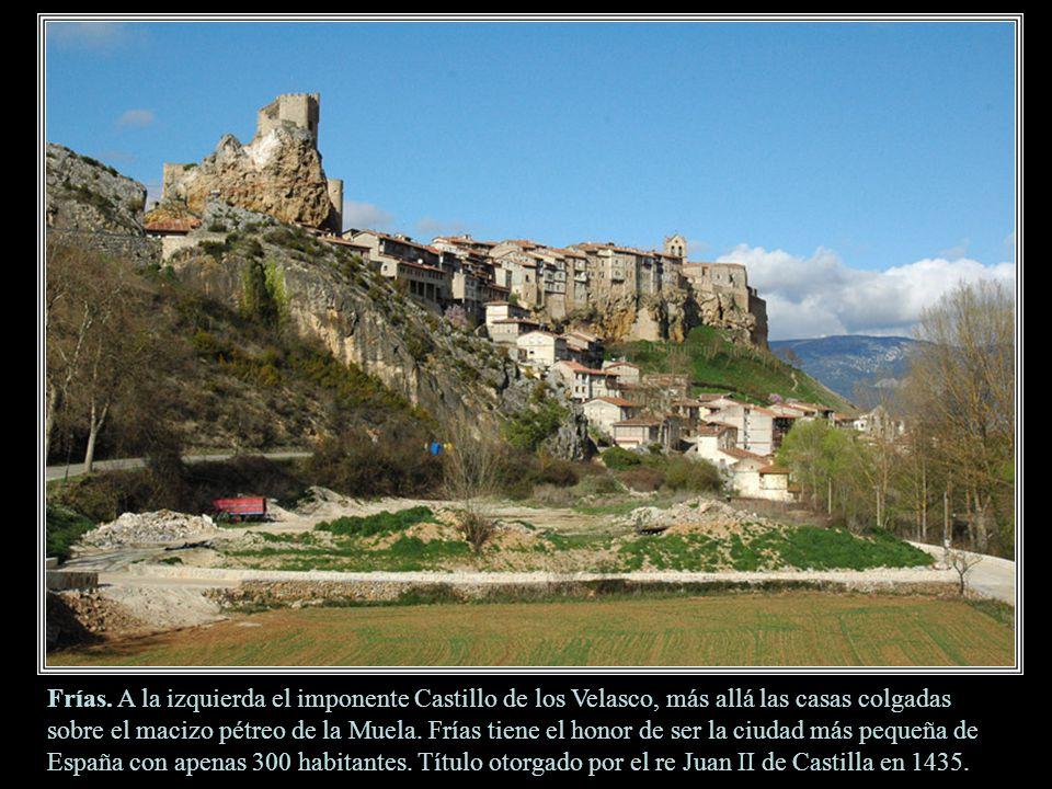 Tobera. Ermitas góticas de San María de la Hoz y el Santo Cristo. Allí se puede ver la hoz del río Molinar en su descenso hacia el Ebro, muy cerca de