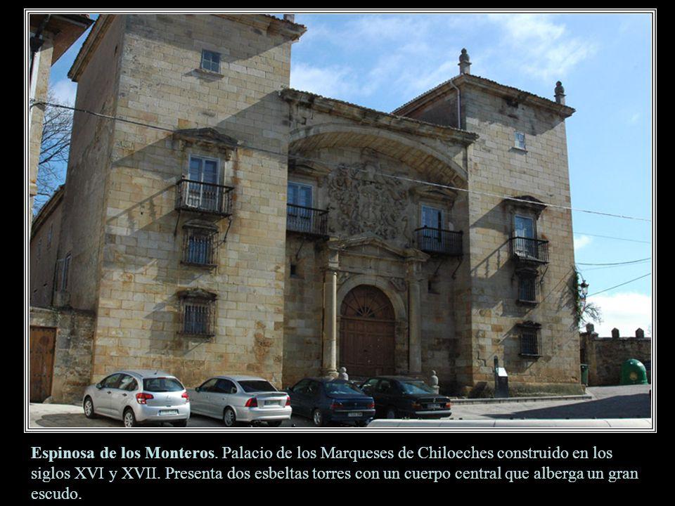 Alcázar de los Velasco. Está formado por dos grandes torres unidas por un cuerpo central y su carácter es totalmente defensivo debido a las almenas, g