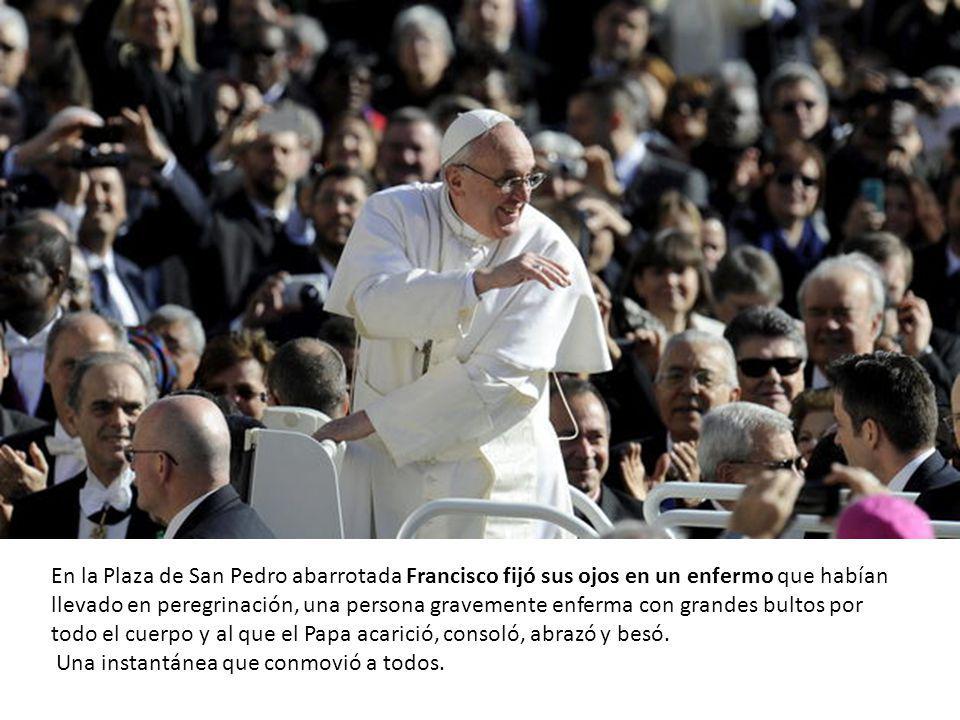 Dice su tía que después del abrazo del Papa es otro hombre, se siente feliz e importante.