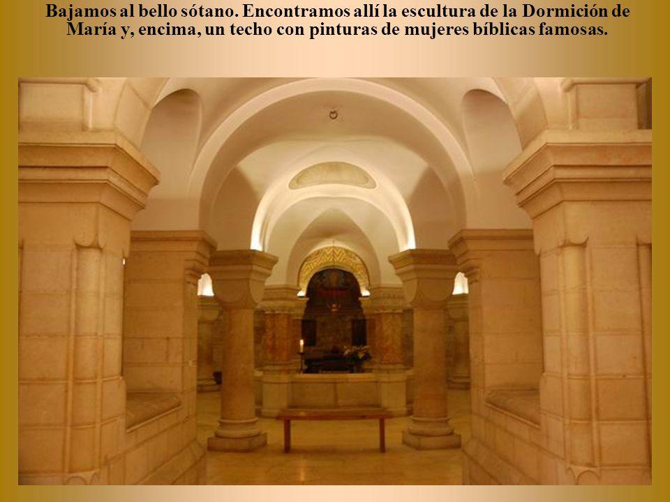 Pintura de la dormición de María antes de su Asunción.