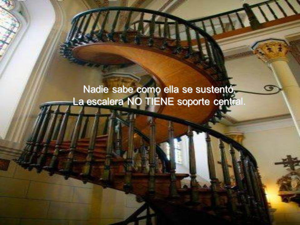 El construyó, sin ayuda de nadie, la escalera que es considerada un prodigio de la carpintería.
