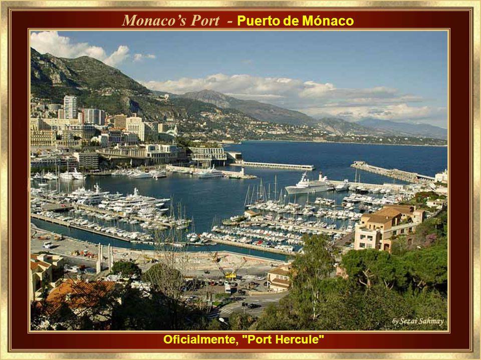 Vista del castillo Grimaldi, en el acantilado, y parte del puerto de Mónaco. View of the Grimaldi Castle on the Cliff, and part of the Port of Monaco.