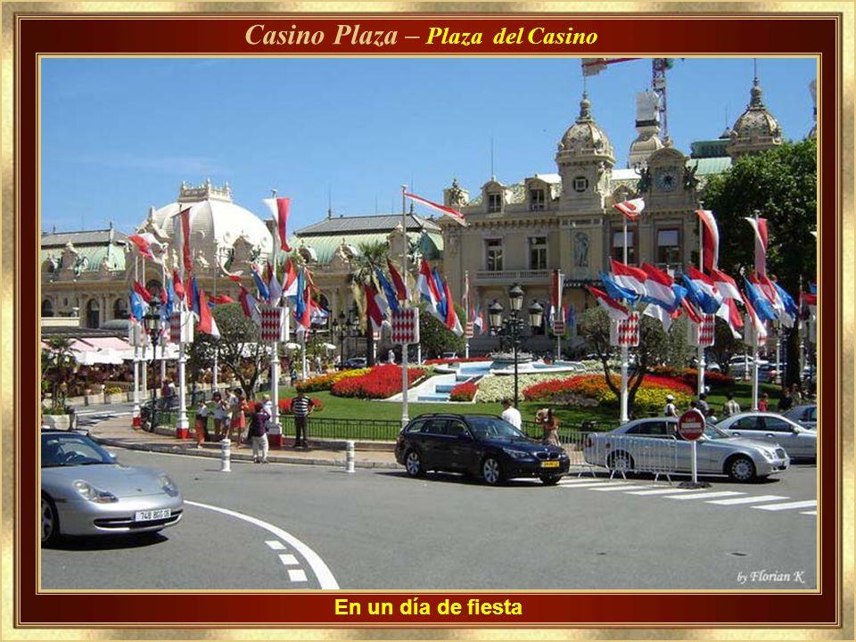 Las barandas de protección,en el lugar, del Gran Premio de Mónaco Grand Prix Sunday - Hotel de Paris
