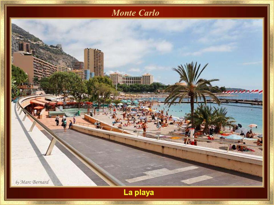 Casino Plaza – Plaza del Casino En un día de fiesta