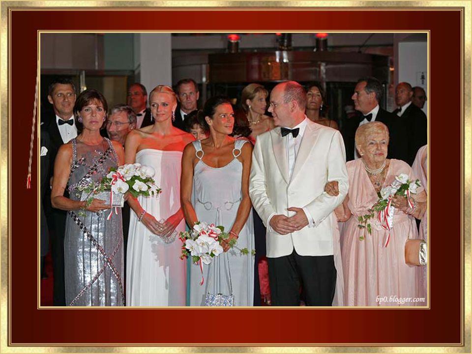 Grace también dejó su marca agregando una nueva tradición – 54a Ball de las Rosas – III 24, 2007 – Festibal de beneficiencia