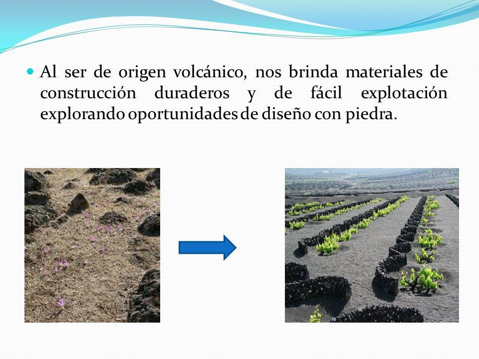 Al ser de origen volcánico, nos brinda materiales de construcción duraderos y de fácil explotación explorando oportunidades de diseño con piedra.