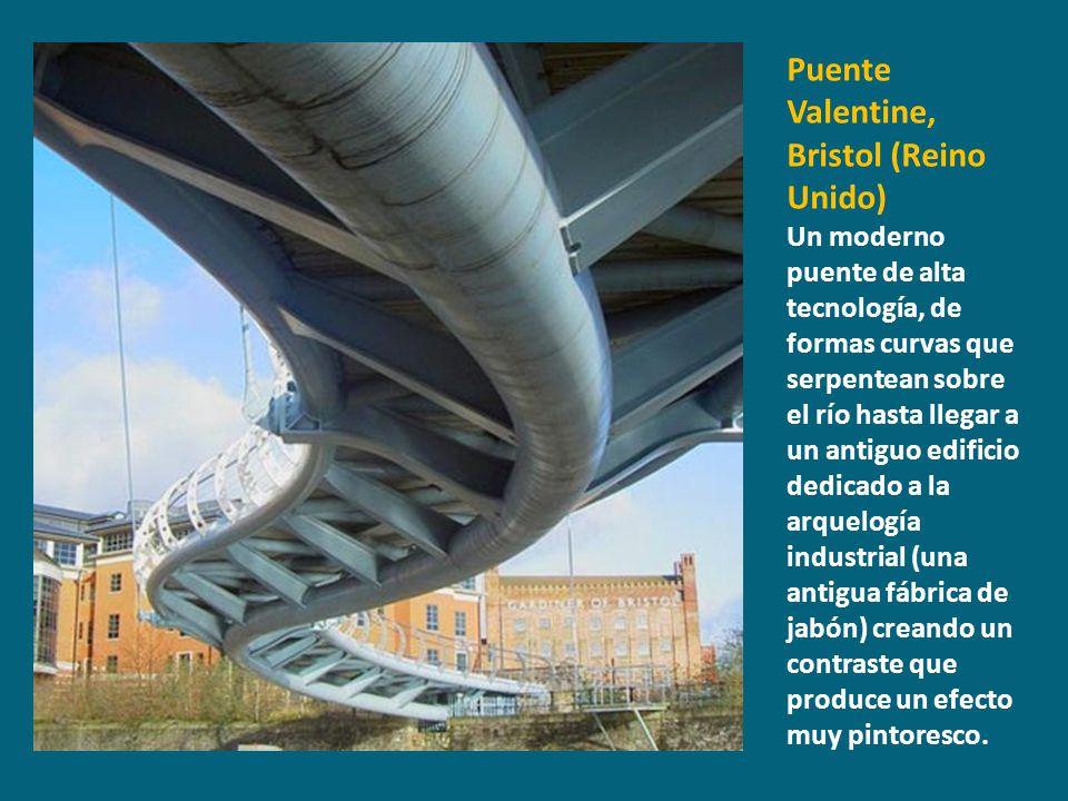 Puente Valentine, Bristol (Reino Unido) Un moderno puente de alta tecnología, de formas curvas que serpentean sobre el río hasta llegar a un antiguo e