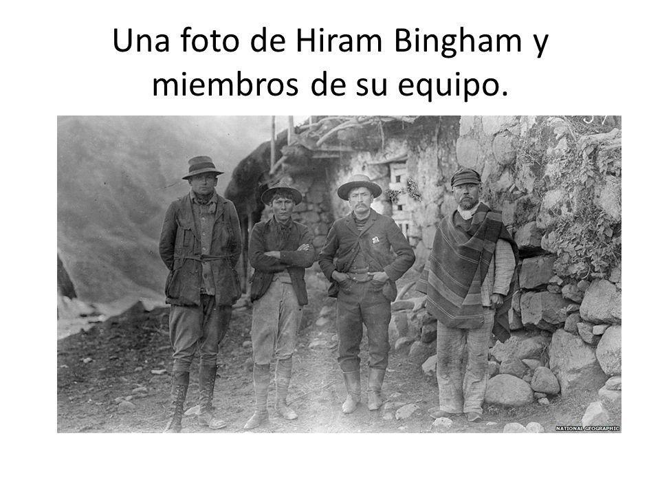Una foto de Hiram Bingham y miembros de su equipo.