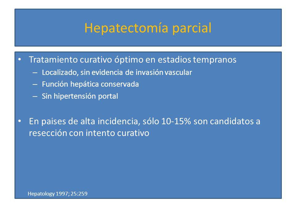 Embolizaci ó n venosa portal preoperatoria (PVE) Beneficios: Br J Surg 2001; 88:165 Ann Surg 2003; 237:208 Ann Surg 2008; 247:49 Disminuye morbilidad post-resección menor alteración en función hepática, menos complicaciones pulmonares, disminuye estancia en hospitalaria Potencialmente convierte en operables los casos inicialmente irresecables por insuficiente parénquima residual Detección de enfermedad subclínica o progresión rápida en estudios de control postembolización Disminuye mortalidad por resección en cirróticos al incrementar el volumen funcional