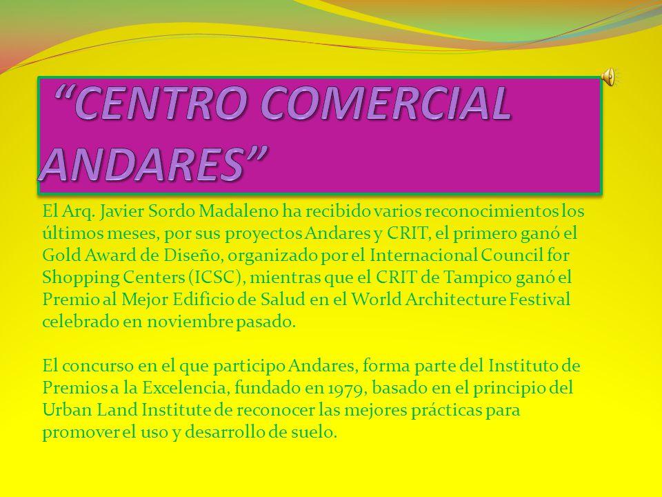 En este proyecto Sordo Madaleno Arquitectos plasma todo su concepto de espacios grandes y abiertos lleno de colores que dan vida.