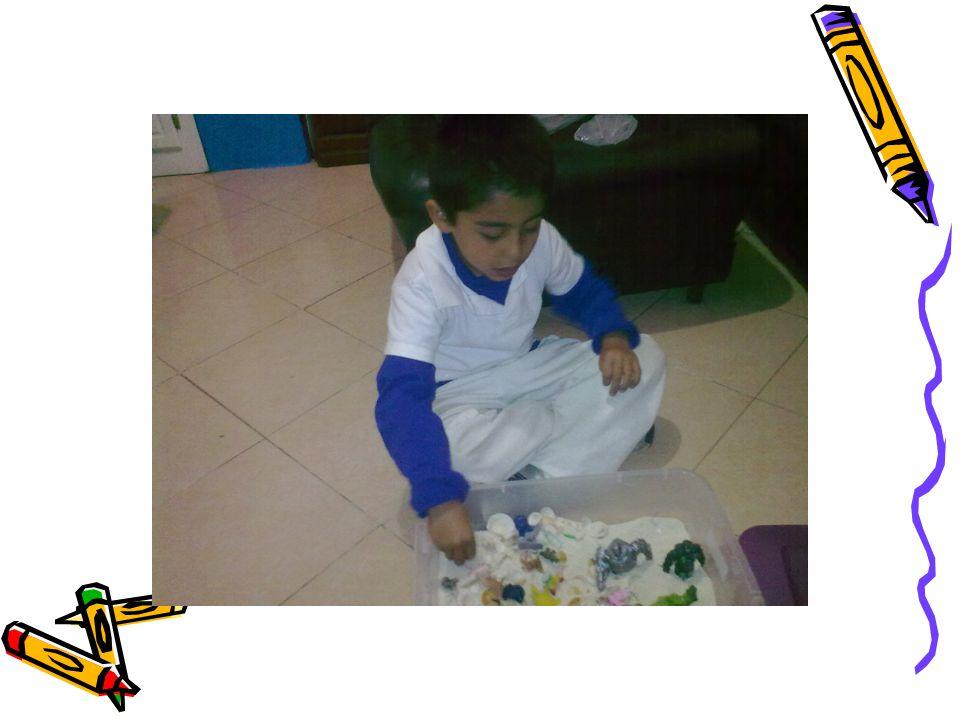 Al juego le llaman el lenguaje de la infancia y es la principal forma en que los niños aprenden sobre su mundo.