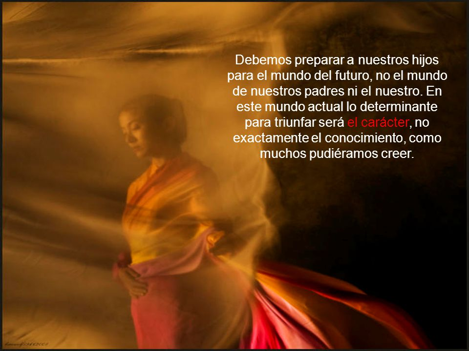 HIJOS TRIUNFADORES Luís Baba Nakao (Marzo de 2007) Hace unos siglos un famoso pensador griego dijo: 'Lo único permanente es que vivimos en un mundo de