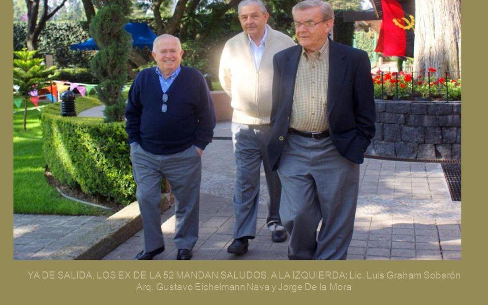 SE APRECIA UN MODERNO ELEVADOR CON CRISTALES EN LA ENTRADA DEL CLUB FRANCE