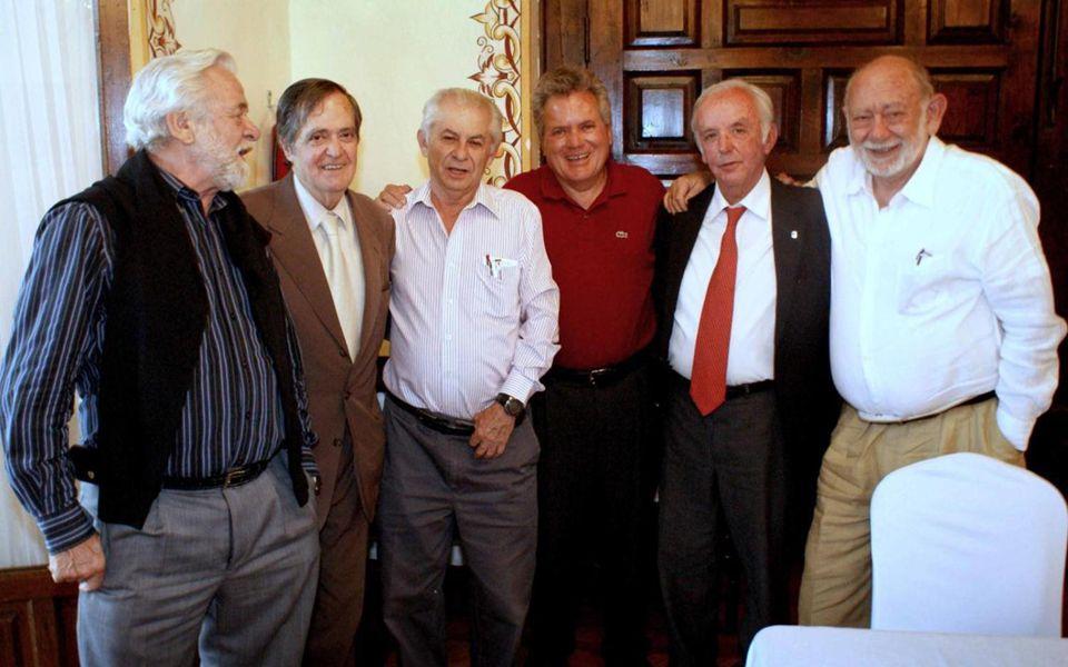 Foto oficial: Sentados: Carlos Vargas, Nacho Gómez Daza, Raúl Haro, Manuel Llaca, Mario Fernández del Villar y Pepe Collado.