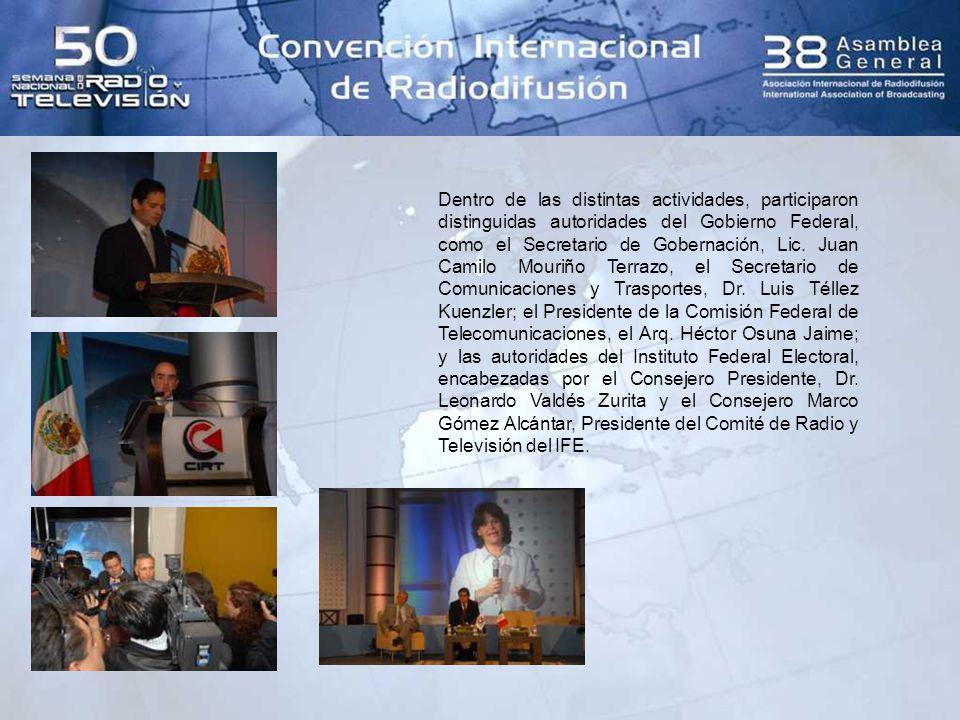 Asimismo, fue un placer recibir al Presidente de la República de El Salvador, Elías Antonio Saca González, quien aprovechando la oportunidad de la visita de Estado que realizó en México durante esos días, impartió una conferencia magistral para los radiodifusores.