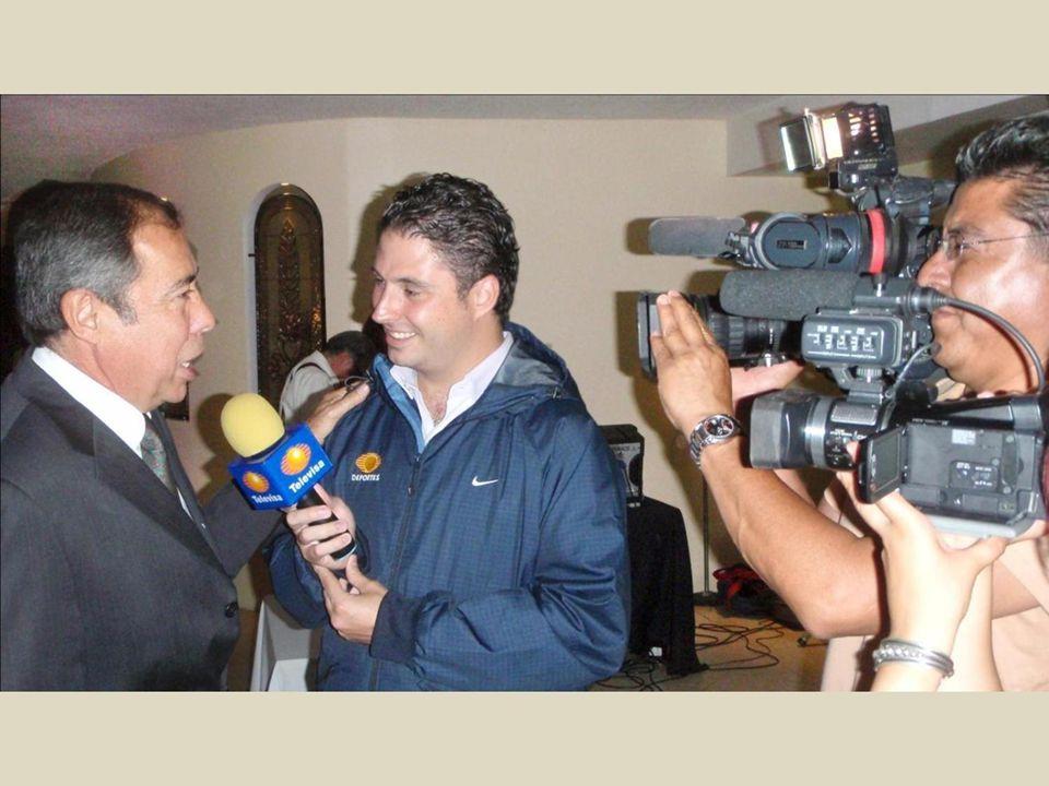 Televisa estuvo presente con sus cámaras y entrevistadores