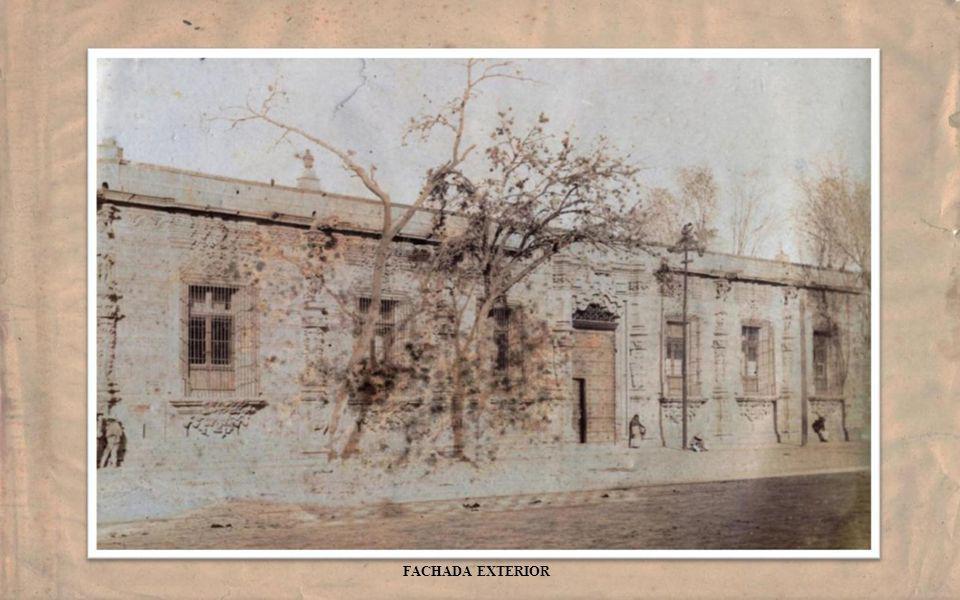 El INSTITUTO CIENTIFICO DE MEXICO de SAN FRANCISCO DE BORJA, (1895-1914) conocido coloquialmente como MASCARONES , por las estatuillas que adornan la portada del inmueble en su fachada, tuvo dos ubicaciones: la primera en la 1a.